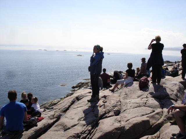 Petit aperçu de la foule venue admirer les baleines ...